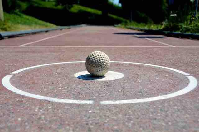 ボールを持って走ってランニングフォームを改善しよう!