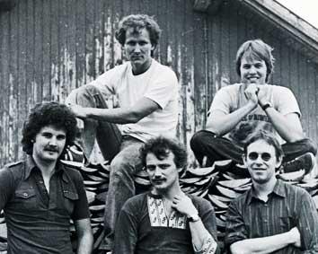 Kerrs Pink 1981 from left in front: Harald Lytomt, Jostein Hansen, Halvard Haugerud, Trond Bøhn and Tore Fundingsrud