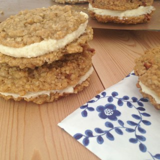 Oatmeal Sandwich Cookies with Vanilla Creme Frosting