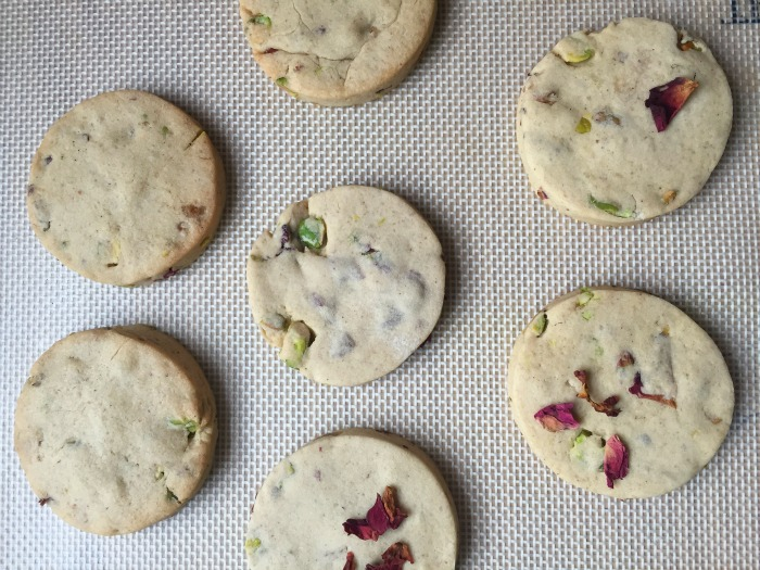 Rose and Pistachio Shortbread - yummy, delicate shortbread biscuits with the flavours of pistachio and rose