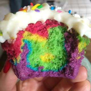Easy Rainbow Cupcakes Recipe