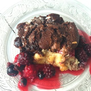 Chocolate Cookie Berry Crumble
