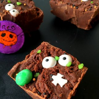 Quick No Bake Halloween Chocolate Slice