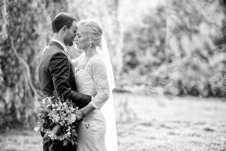 romantic wedding photos
