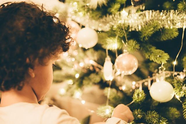 Witte kerstboomversiering