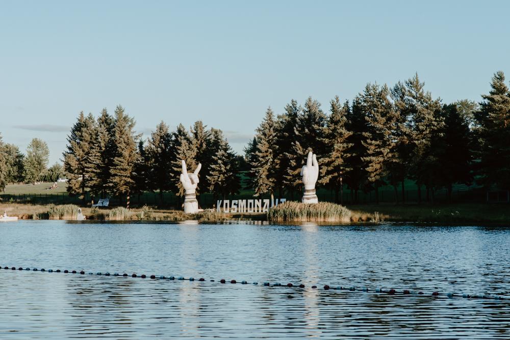 DAY ONE auf dem Kosmonaut Festival mit den geheimen Headlinern, Drangsal & Feine Sahne Fischfilet
