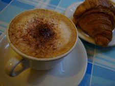 un caffè e un cornetto
