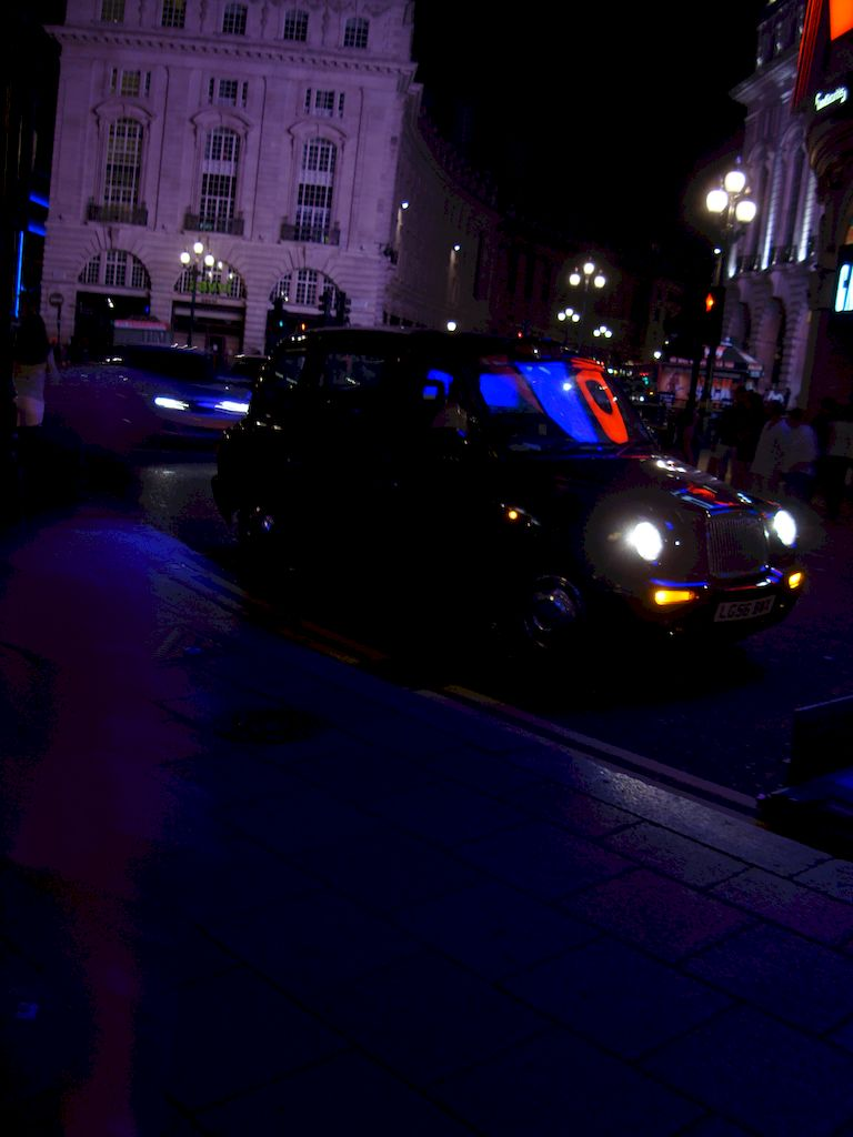streets of london uk at night
