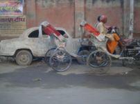 varanasi-india-asia-varanes-street-photography-kersz-21