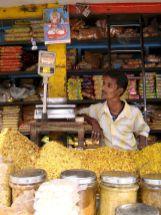varanasi-india-asia-varanes-street-photography-kersz-54