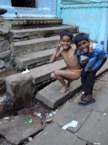 varanasi-india-asia-varanes-street-photography-kersz-81