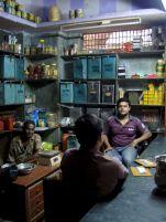 varanasi-india-asia-varanes-street-photography-kersz-89