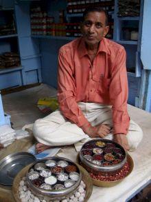 varanasi-india-asia-varanes-street-photography-kersz-93