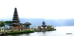 pura-ulun-danu-watertemple-north-bali.