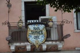 Taormina, celui à l'enseigne et aux céramiques siciliennes