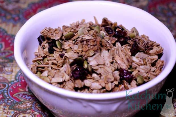 Maple Granola w/ Almonds, Pumpkin Seeds and Cranberries