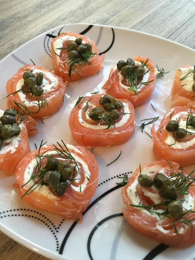 Smoked salmon with dill cream cheese and capers