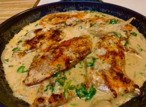 Keto Creamy Garlic Chicken