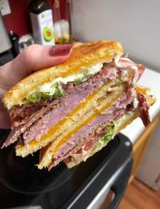 Fathead bagel sandwiches