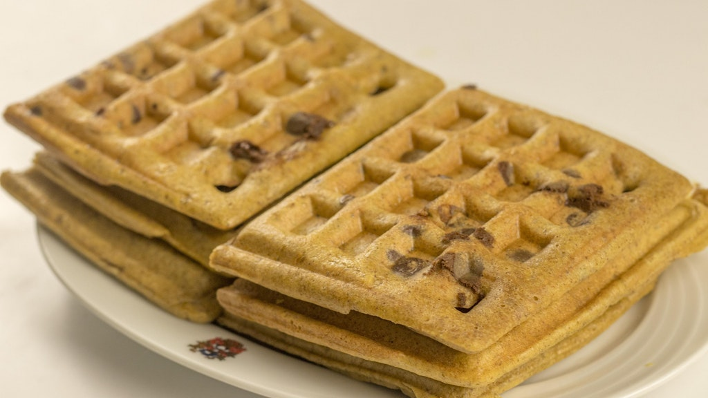 4 ingredients keto Waffles (5 with vanilla, ok 6 with chocochips)