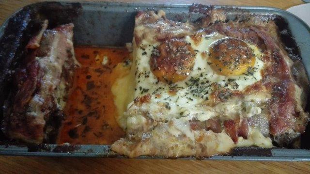 Romig gevuld gehaktbrood met ei