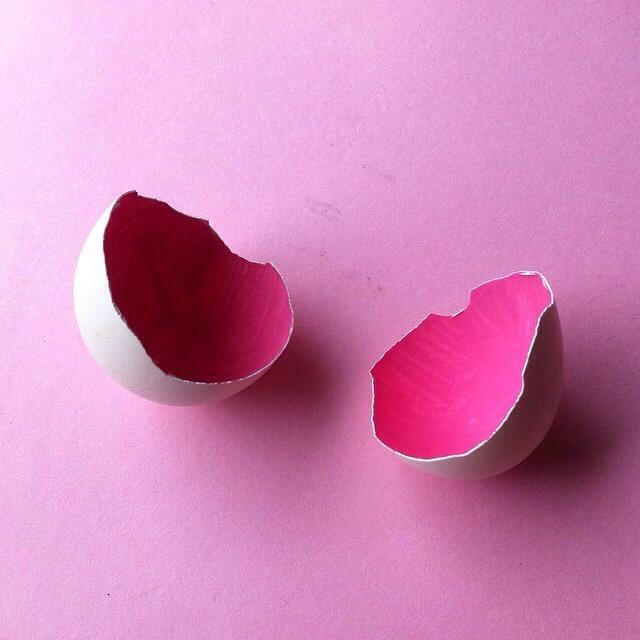 pink-eggshells_t20_wK1RBW.jpg