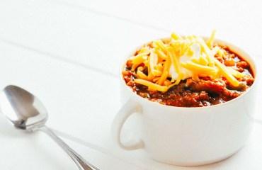 Tomatillo Chili [Pressure Cooker Recipe] | KETOGASM.com #keto #recipes #low-carb #chili #tomatillo #lchf #meal #prep #pressure #cooker #instantpot