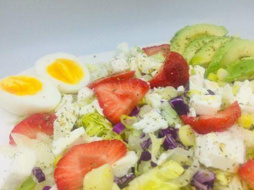 Salade fetakaas met aardbeien