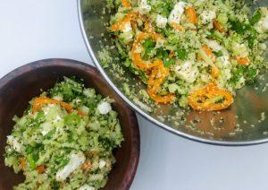 keto tabouleh van hennepzaad met fijngesneden groentjes en feta