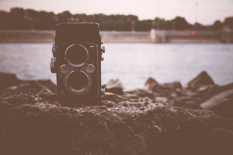 Camera - unsplash.com