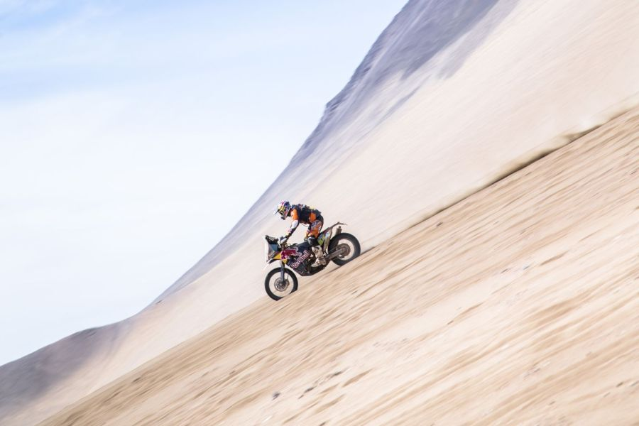 Marc Coma in den Dünen von Iquique in Stage 8; Foto: Flavien Duhamel/Red Bull Content Pool