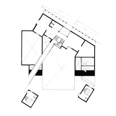 0: Entrance hall and projection room