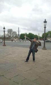 párizsi szuperhíró