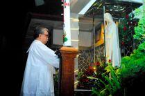 Doa dan pendupaan oleh romo Tejo