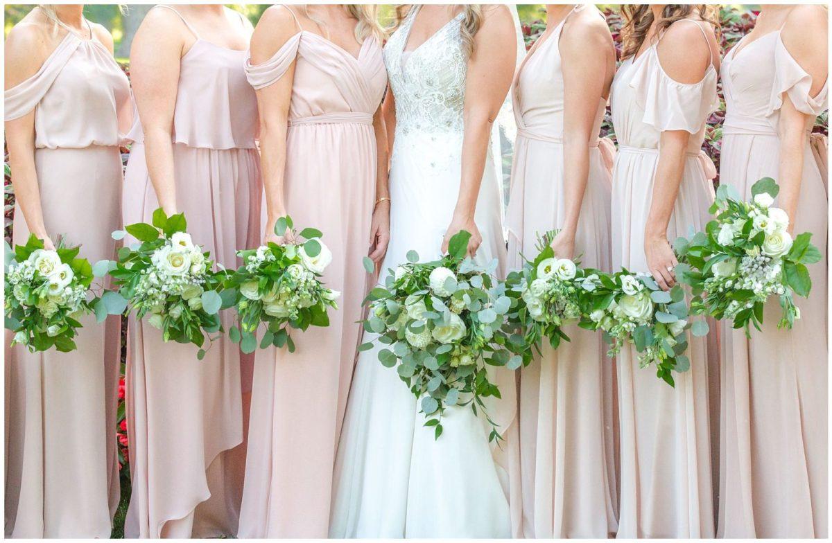 Kentucky bridesmaid dress wedding photos at the Lexington Country Club in Lexington, KY.