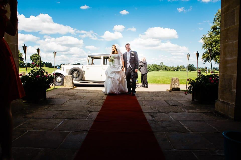 Bride & Groom arrive at Bowood
