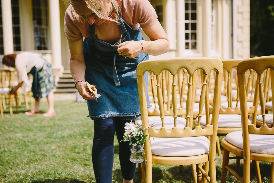 Florist dressing chairs for outdoor ceremony