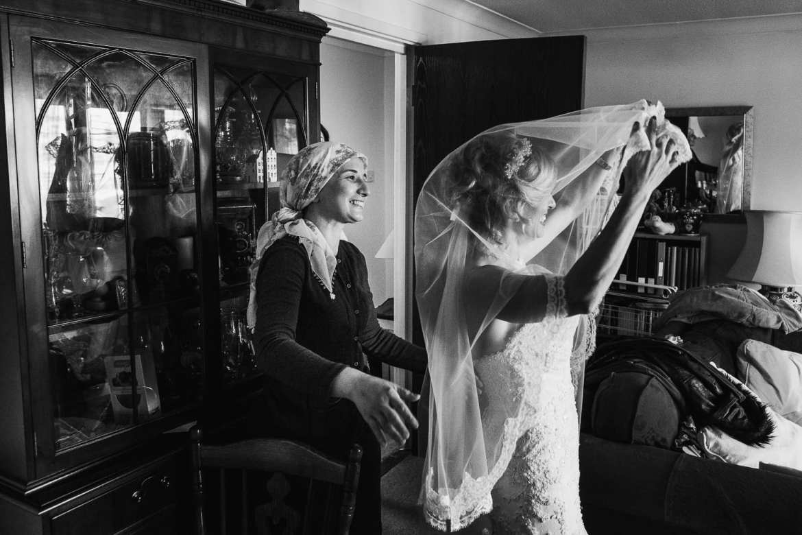 The bride gets ready at home