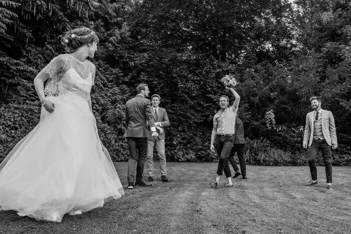 Bouquet toss shot with the fujifilm x-pro2
