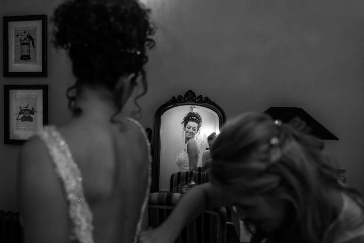 The bride in the mirror at Nunsmere hall