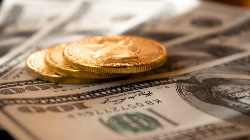 Bitcoins e criptomoedas realmente geram dinheiro fácil?