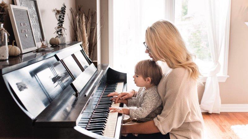 Quanto tempo leva para aprender a tocar piano ou teclado?