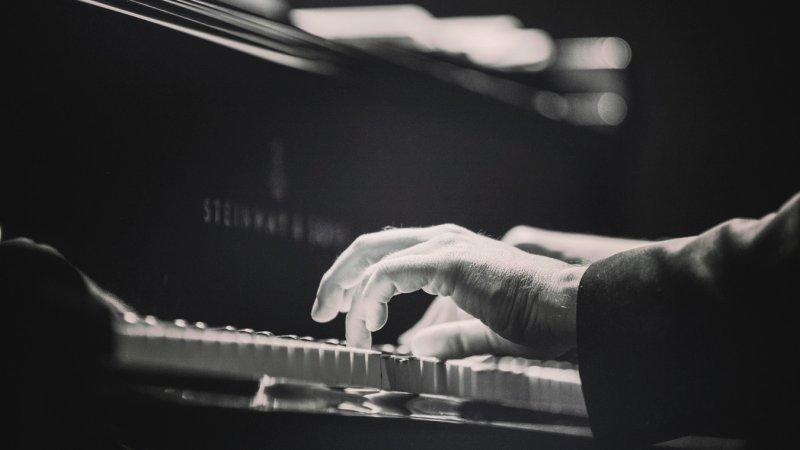 Aprenda a improvisar no piano com escalas de blues - piano improviso