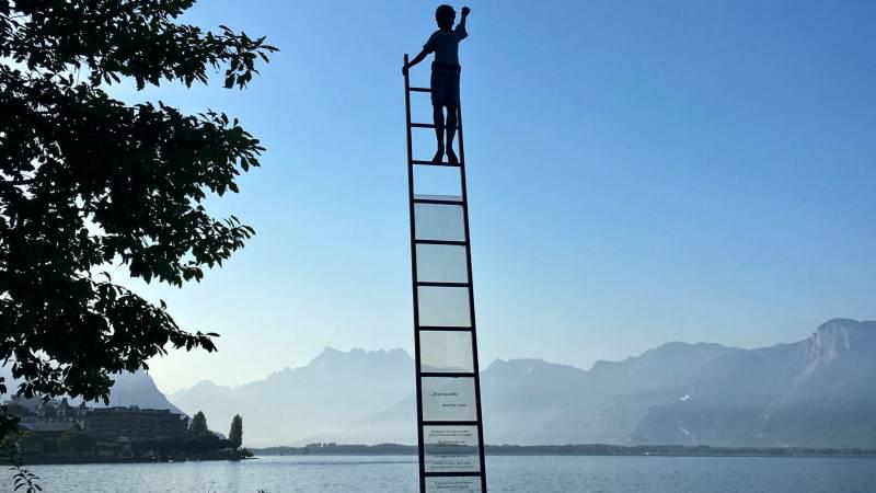 Tráfego pago: conheça as vantagens e como realizar essa estratégia - escadaria piramide