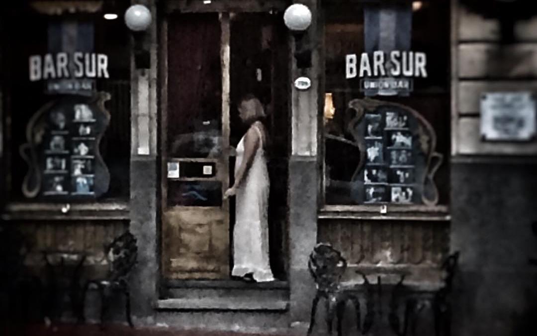 Stalking Bar Sur