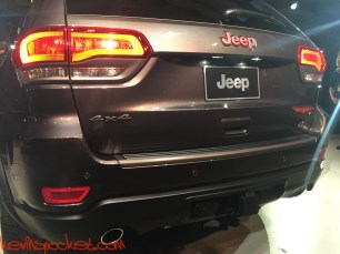 2017-Jeep-Grand-Cherokee-Trailhawk_NYIAS-Reveal_00135