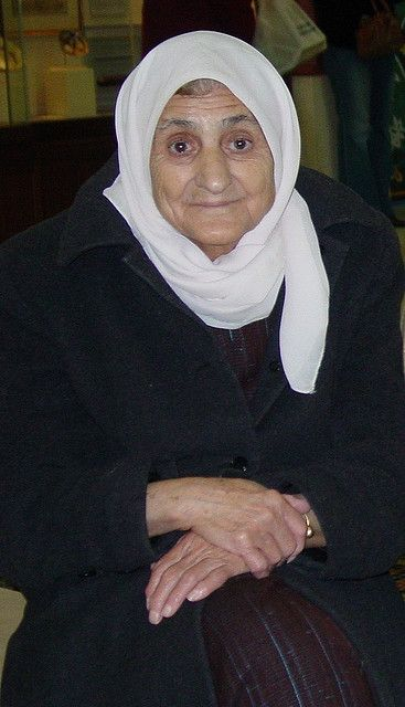 Photo - Elderly Arabic Mother - Pinterest