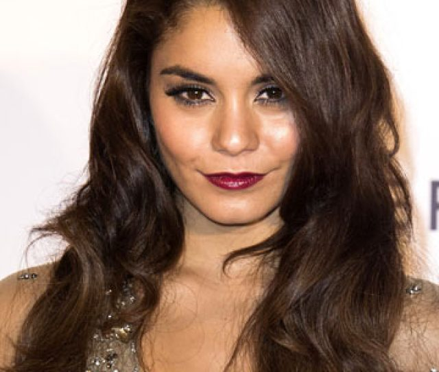 Hot Vanessa Hudgens Shows Off Flat Tummy And Sexy Legs In New Instagram Fashion Snaps