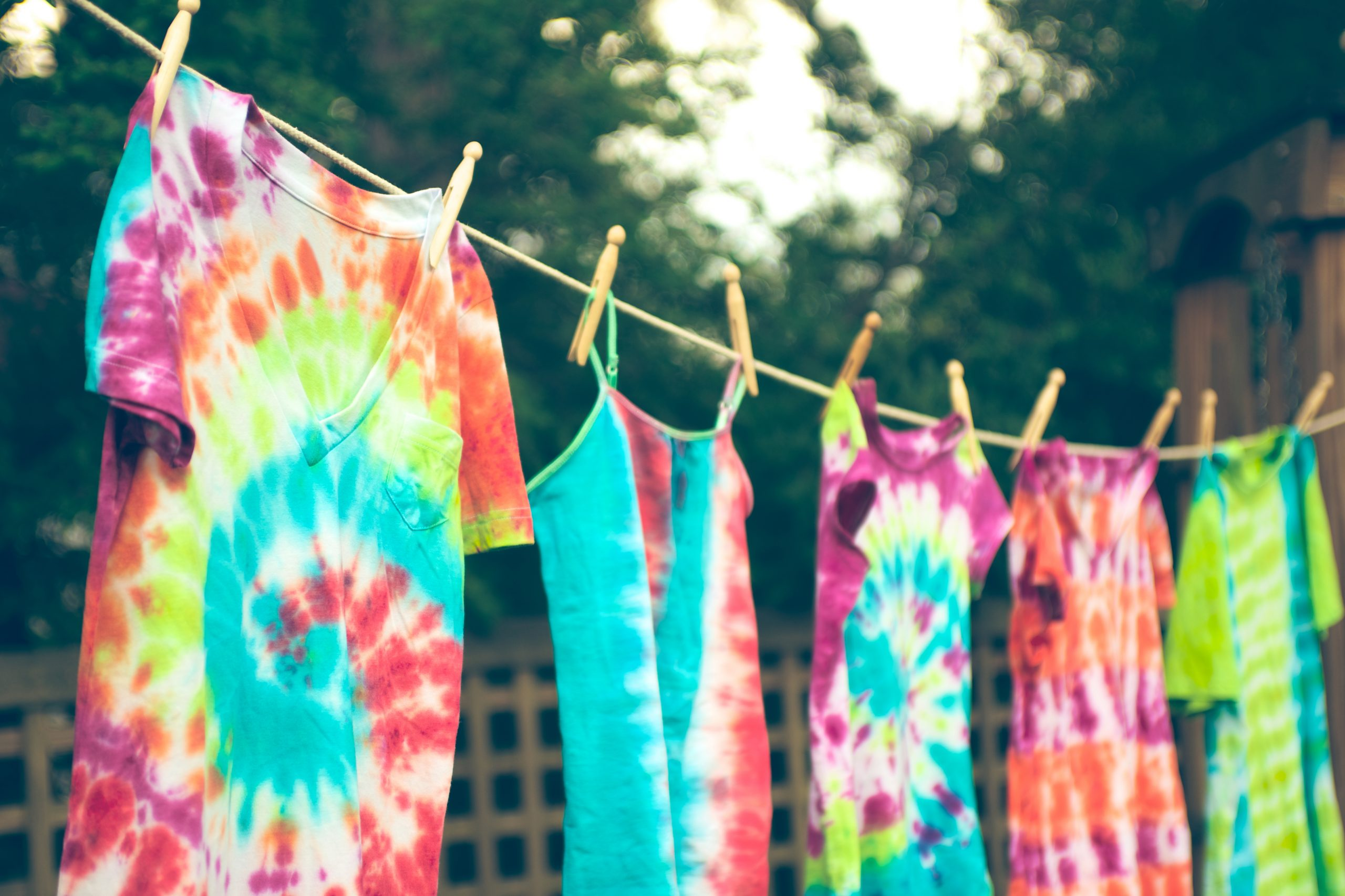 How To Tie Dye T Shirts With Dye Bleach And Food
