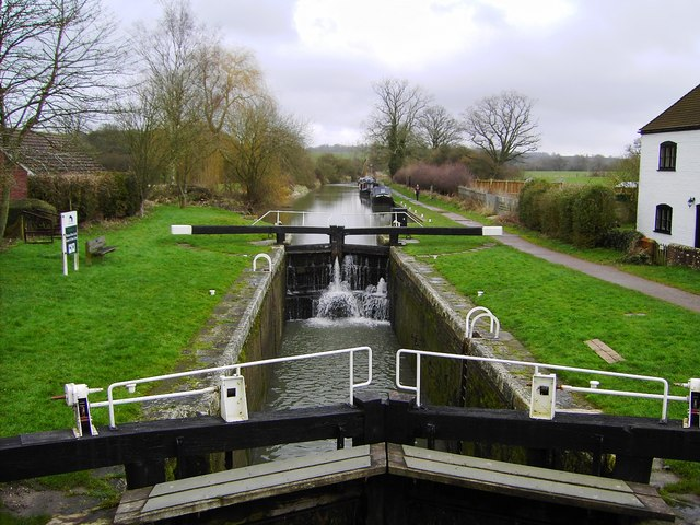 Boat Sinks In Kennet And Avon Canal Motor Boat Amp Yachting